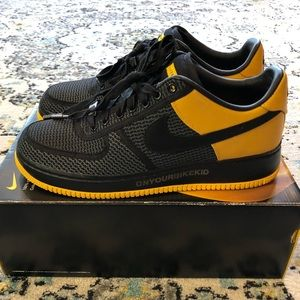 new styles 1420d 2968f Nike Shoes - NIKE AIR FORCE 1 SUPREME